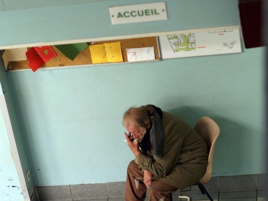Hébergement d'urgence : les professionnels de l'urgence sociale en grève à Lyon