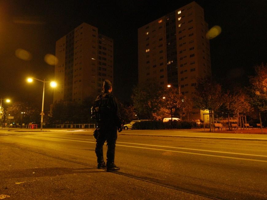 Vénissieux : deux jeunes de 13 et 14 ans interpellés pour des tirs de mortiers sur la police