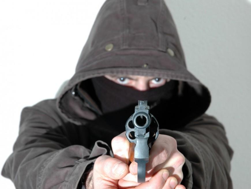 Le commercial au bord du burn-out avait enfoncé un pistolet dans la bouche d'un collègue