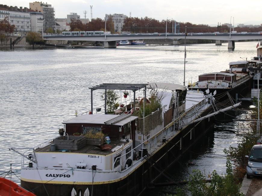 Lyon : pour prendre la fuite, le cambrioleur de péniches saute… dans l'eau
