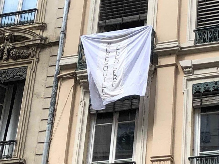 """Presqu'île : l'opération """"draps blancs aux fenêtres"""" débute"""