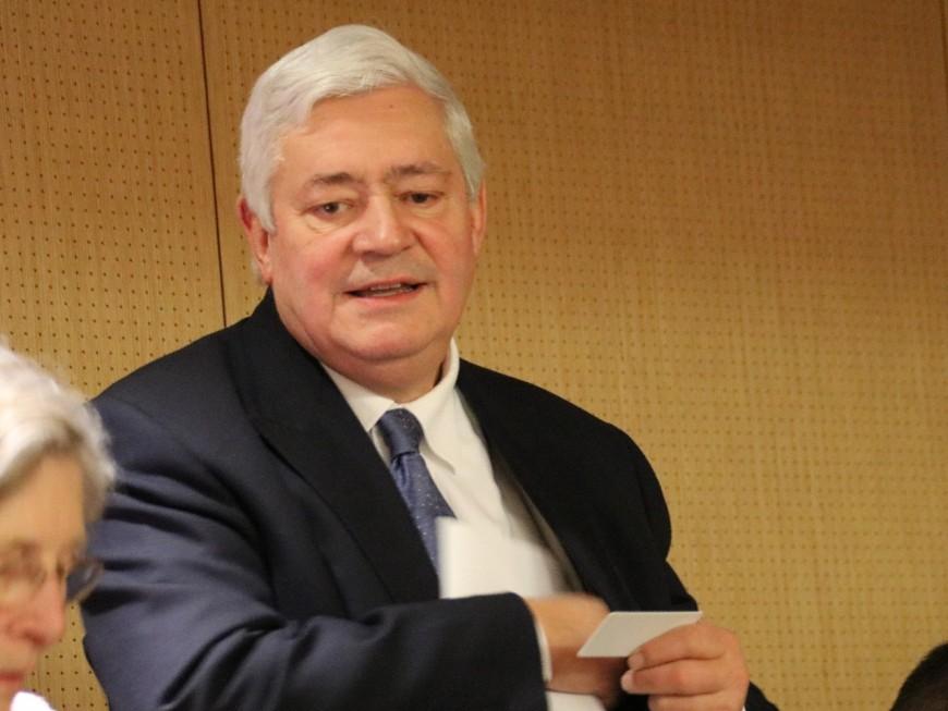 Bruno Gollnisch (RN) est candidat à la présidence du groupe Renault