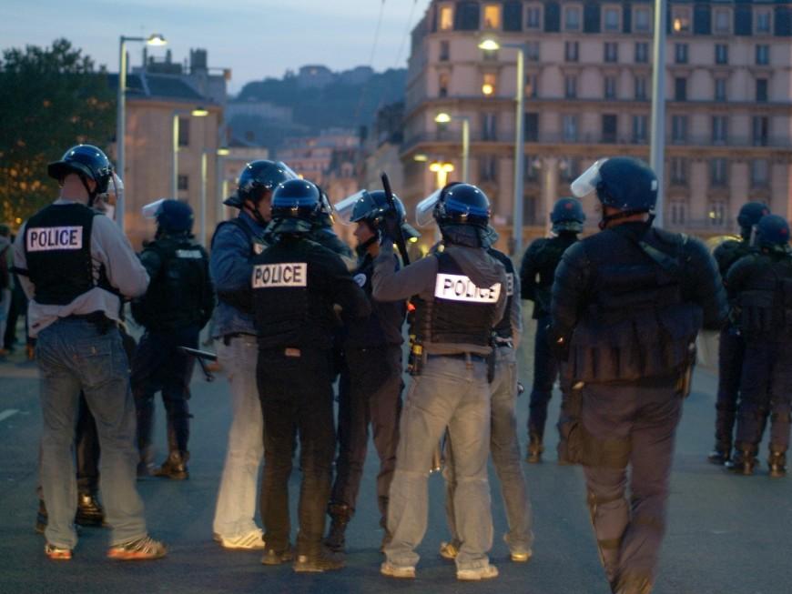 49-3 : un local du Parti Socialiste subit les foudres des manifestants à Lyon