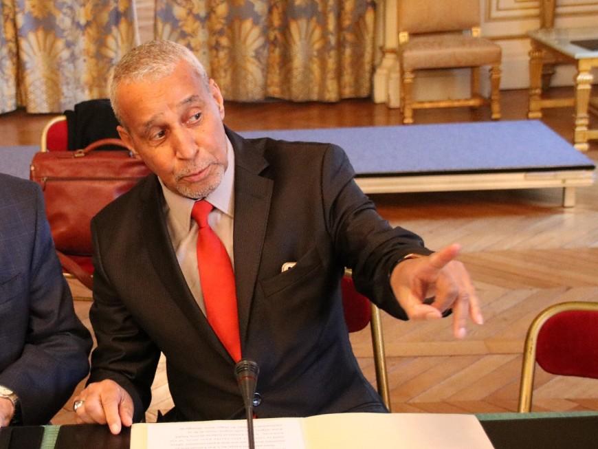 Laïd Bendidi fait chevalier dans l'ordre national du Mérite par le préfet du Rhône
