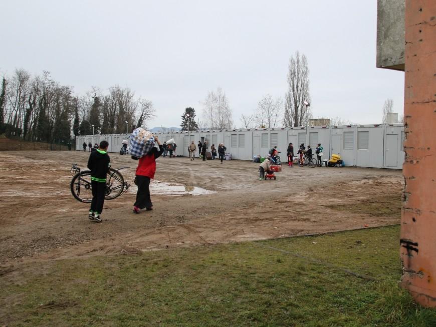 Villeurbanne : un village d'insertion de Roms au pied de l'Astroballe