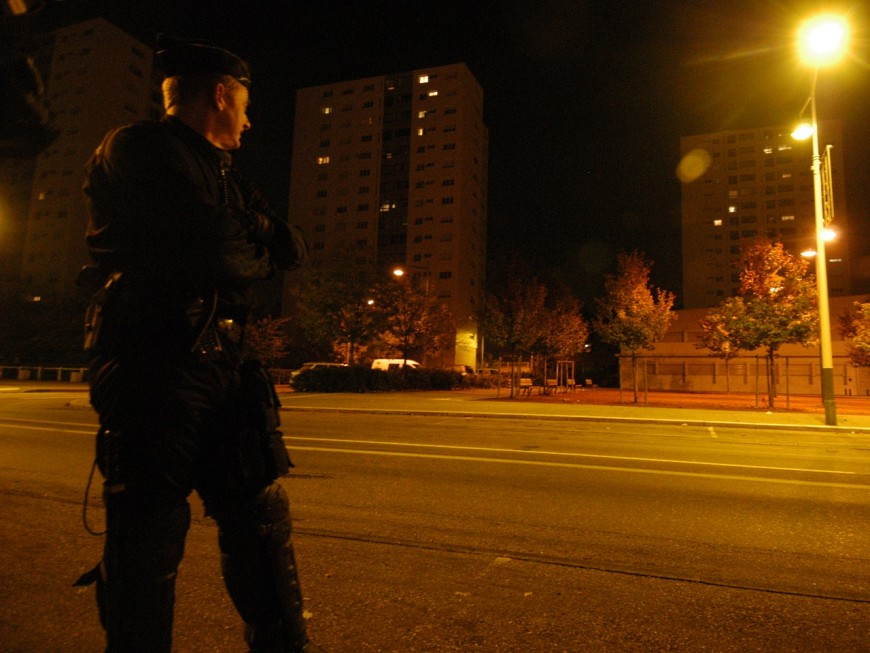 Villefranche-sur-Saône : un jeune jugé pour avoir caillassé les policiers