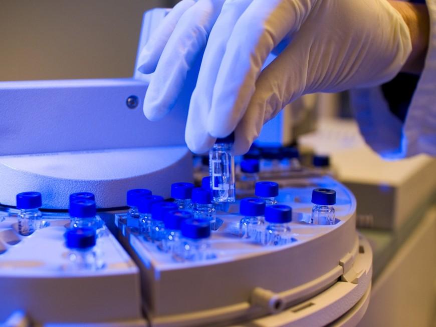 Coronavirus : une campagne de tests dans les Ehpad d'Auvergne-Rhône-Alpes