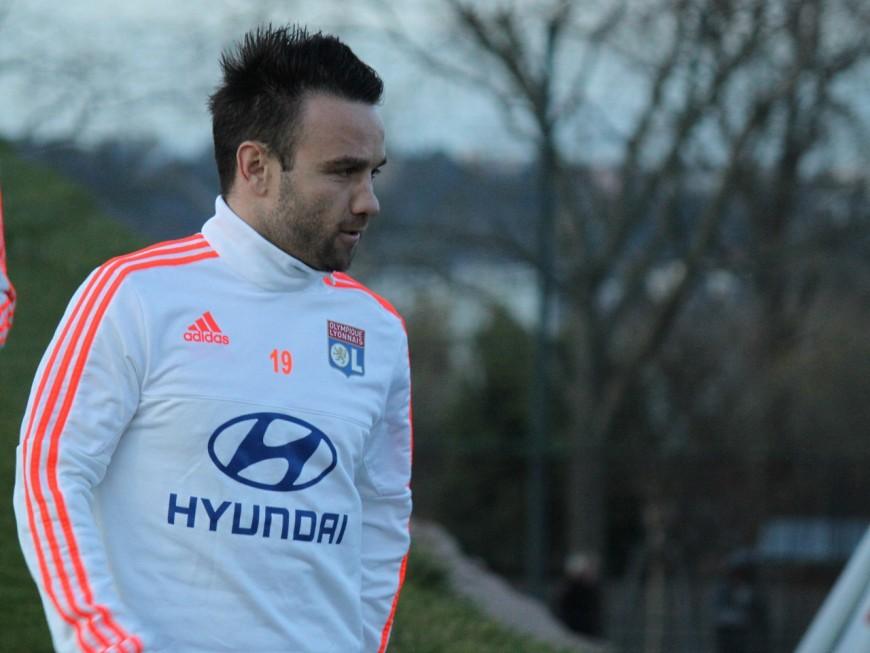 OL : une plainte déposée contre Mathieu Valbuena après une altercation avec un supporter