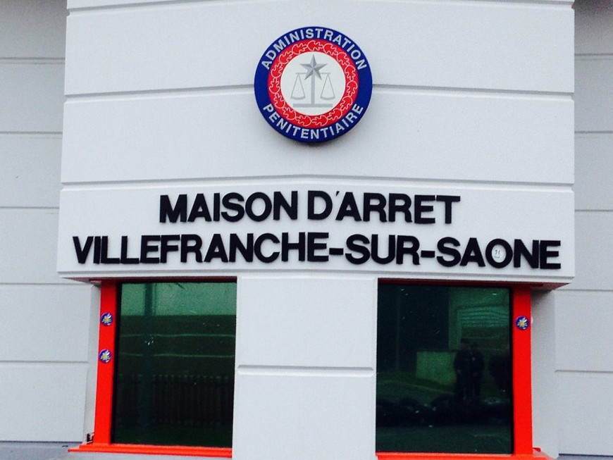 Villefranche-sur-Saône : un surveillant poignardé par un détenu