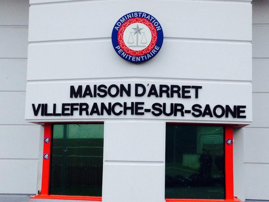 Villefranche-sur-Saône : le détenu frappe des surveillants parce qu'on refuse de le changer de prison