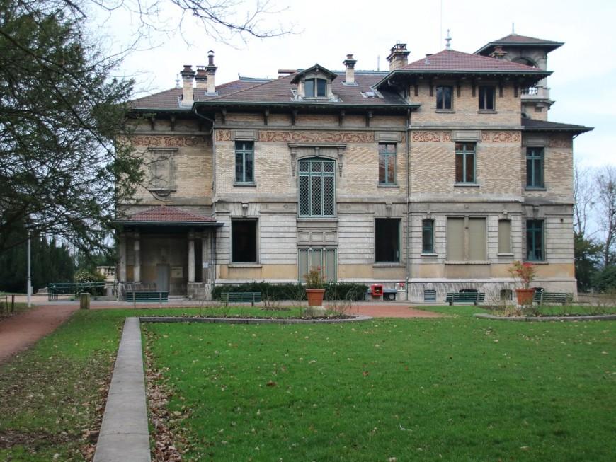 Villa Gillet : la Région subventionnera les Assises du Roman puis avisera