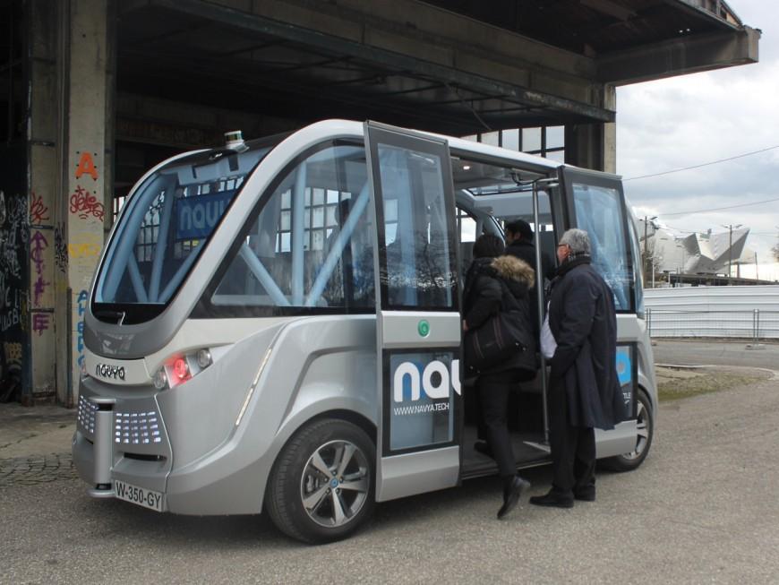 Lyon : la navette gratuite et autonome Navya opérationnelle à la Confluence en septembre !