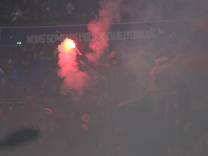OL – PSG : un homme interpellé après avoir lancé un fumigène