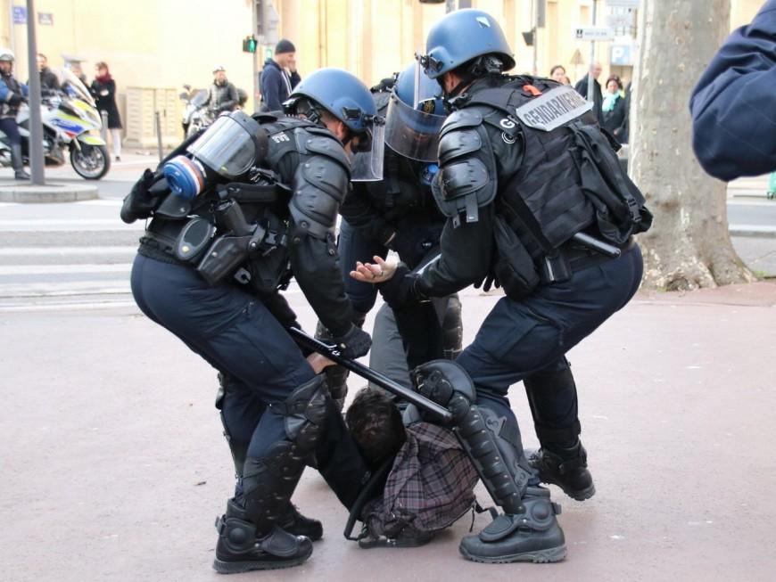 Loi Travail: 12 syndicats lyonnais dénoncent la répression policière