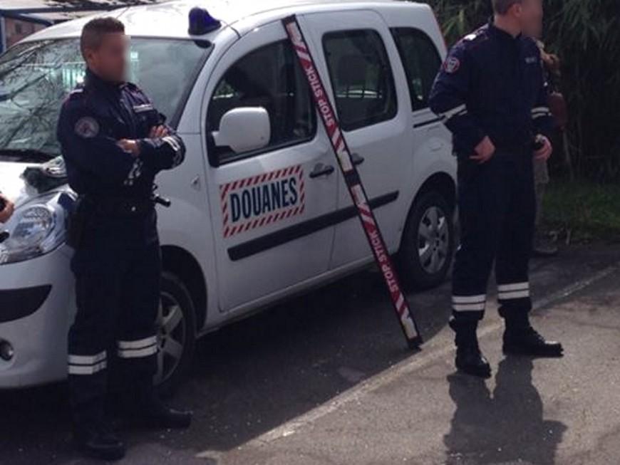 Des Lyonnais forcent un barrage de douaniers sur l'A7