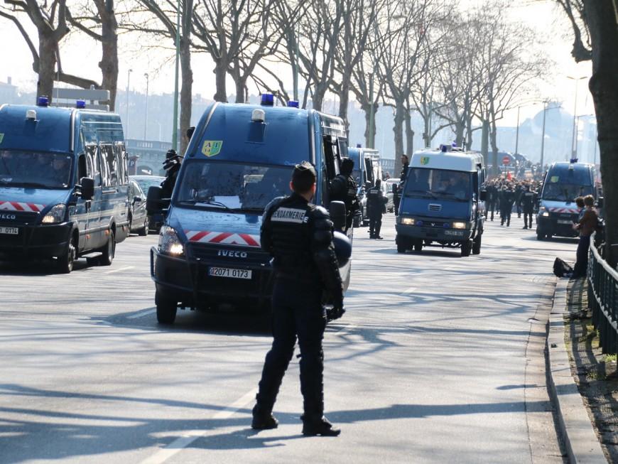 Dimanche politique à Lyon : 13 interpellations près du meeting FN