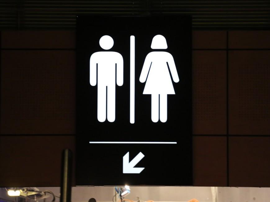 Villefranche-sur-Saône : Un homme retrouvé mort dans des toilettes publiques