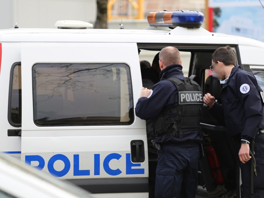 Vaulx-en-Velin : ivre, l'automobiliste promet de s'en prendre aux mécréants