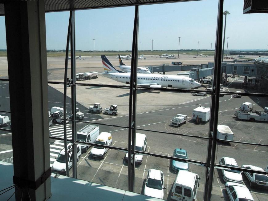 Pollution au kérosène dans l'Est lyonnais : l'aéroport Saint-Exupéry commande une contre-expertise