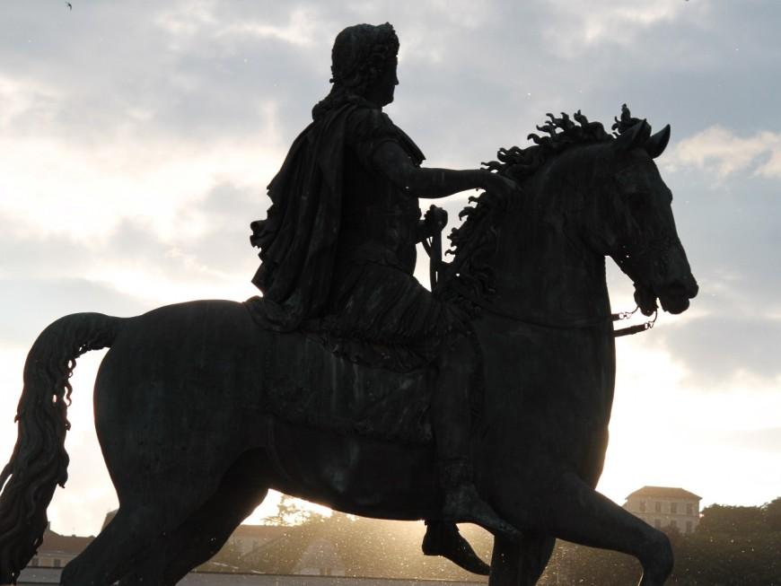 Lyon : la statue de Louis XIV place Bellecour à son tour rénovée ?