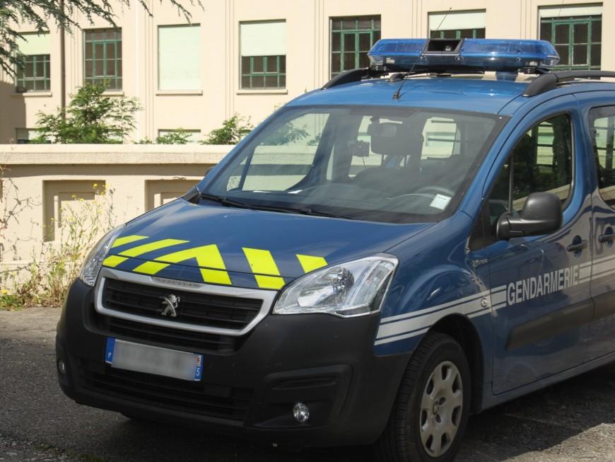 Rhône : il coopère lors d'un contrôle de gendarmerie, puis change finalement d'avis