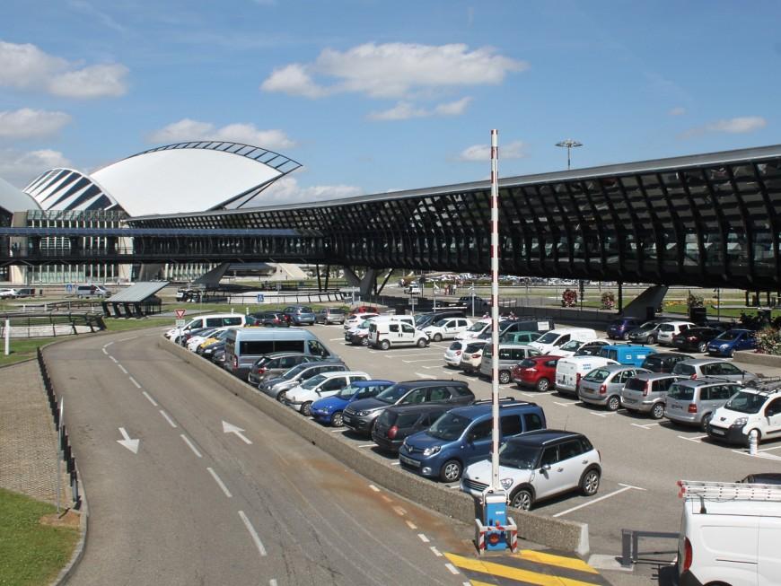 Il roulait à bord d'une berline volée le matin même à l'aéroport de Lyon Saint-Exupéry