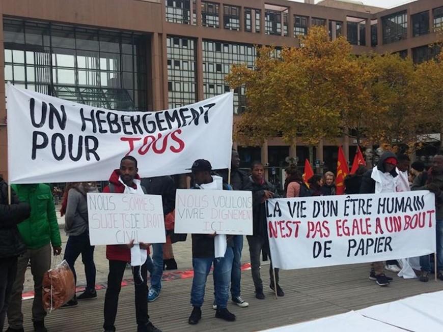 Lyon : Manifestation du collectif de soutien aux migrants contre le projet de loi Macron