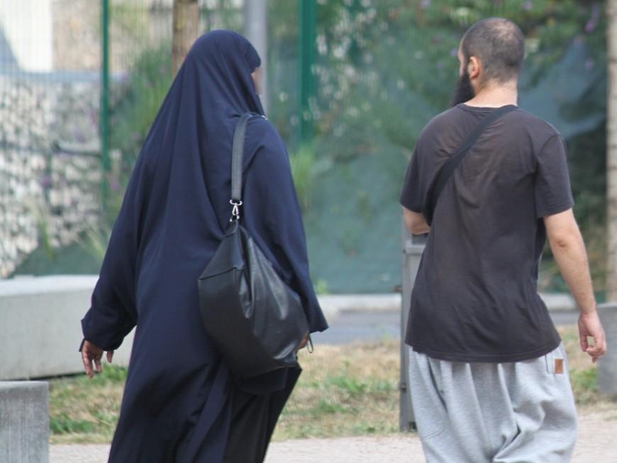 Lyon : intégralement voilée, elle refuse de se rendre à son procès