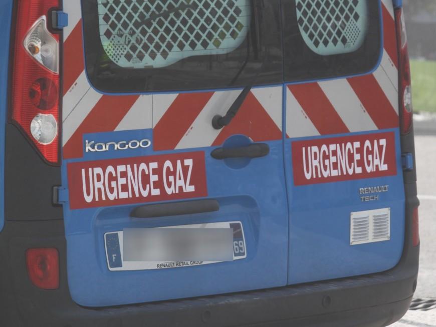 Saint-Fons : une fuite de gaz sur la voie publique coupe la circulation