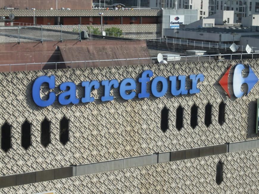 Arrêtées à la sortie de Carrefour avec 400 euros de cosmétiques