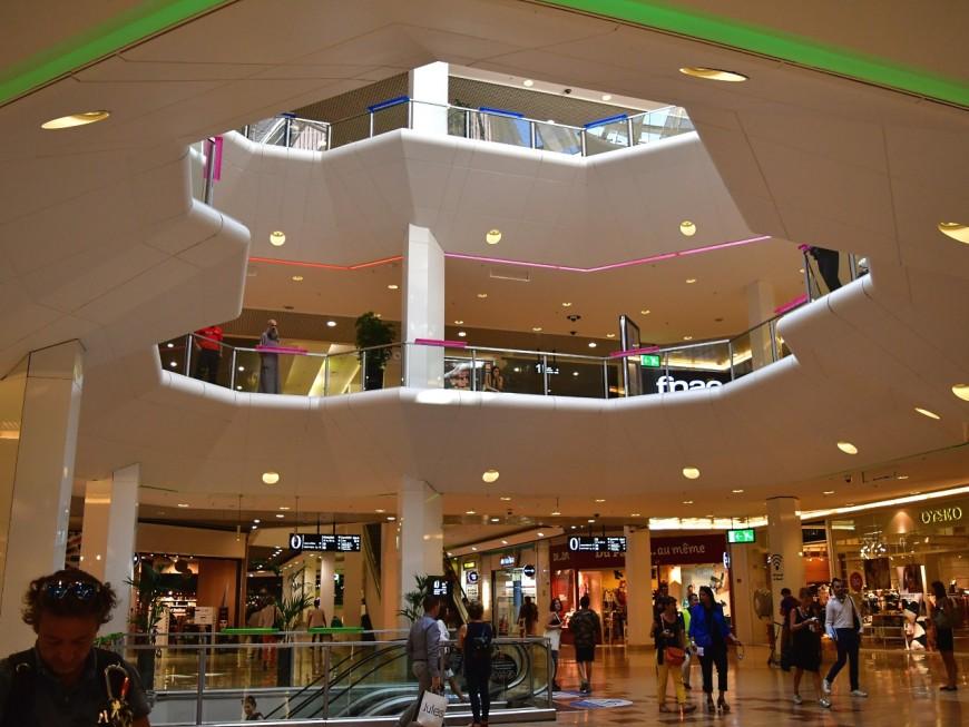 Covid-19 : le centre commercial de la Part-Dieu, futur cluster selon la CGT