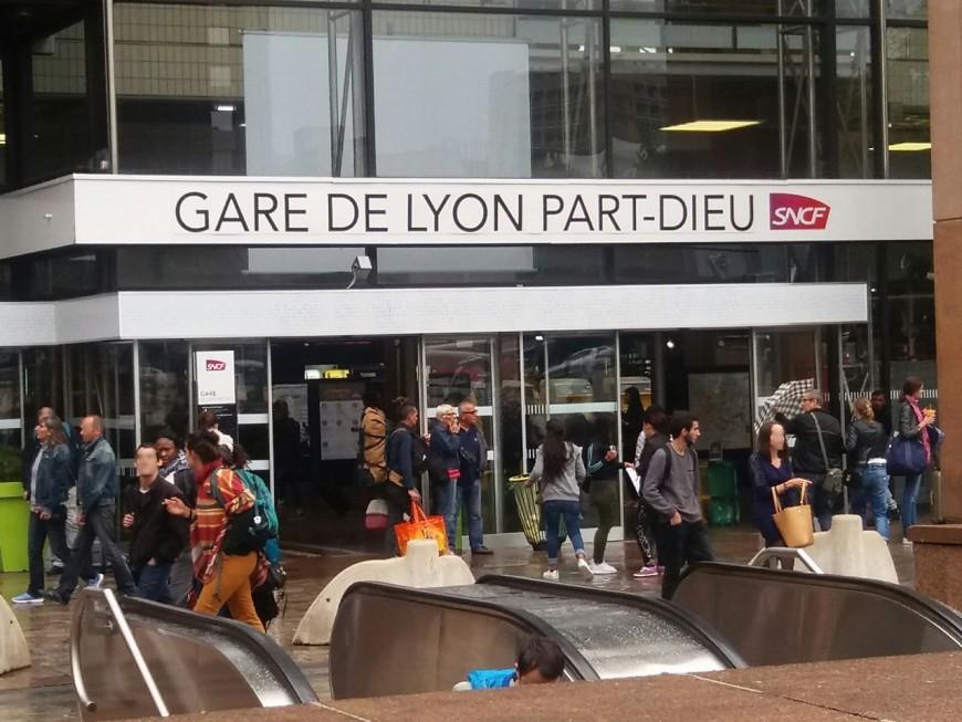 Part-Dieu : un bagage oublié dans un TGV paralyse la gare