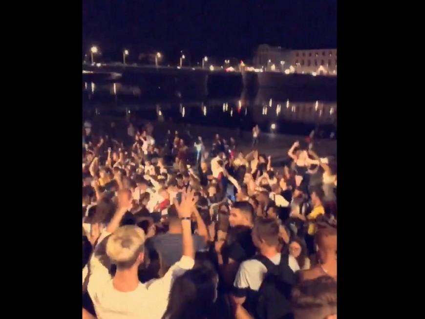 Lyon: un rassemblement monstre sur les Berges du Rhône quelques heures après les annonces d'Olivier Véran