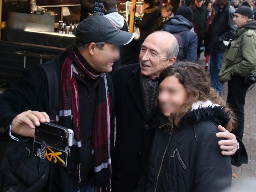 Lyon : Gérard Collomb a tracté pour Emmanuel Macron avec plus de 300 personnes