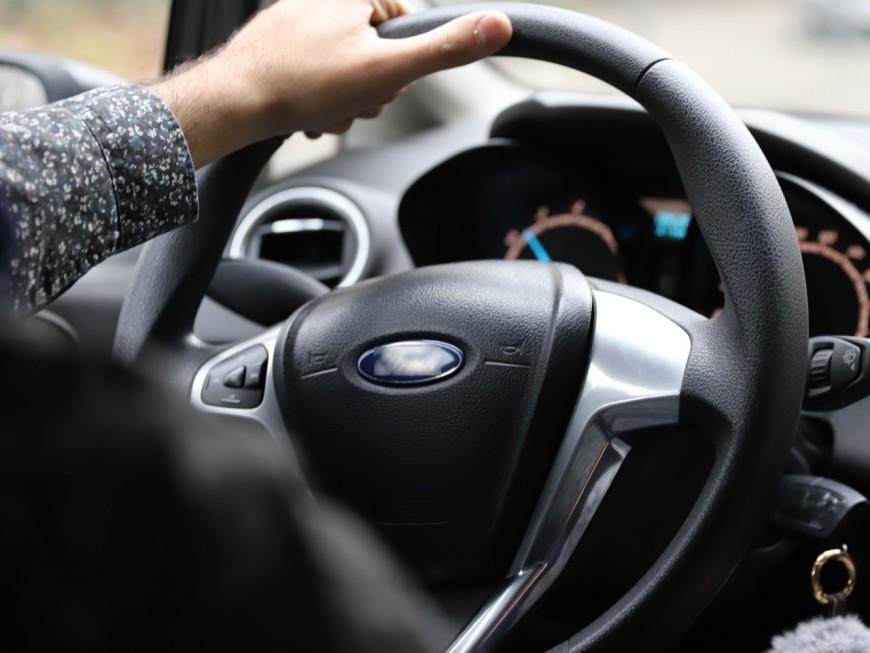 Givors : à bord d'une voiture volée, il percute violemment les policiers