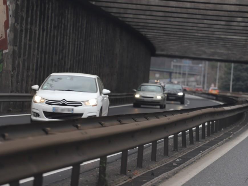 Un piéton percuté par une voiture puis un camion sur l'A6 près de Lyon