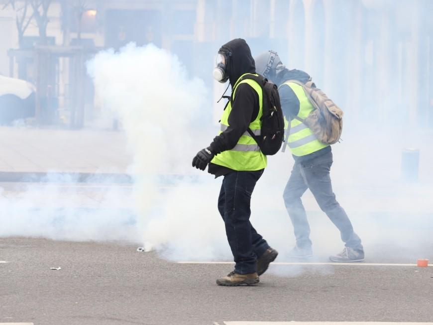 Lyon : le retour des gilets jaunes, un casseur interpellé