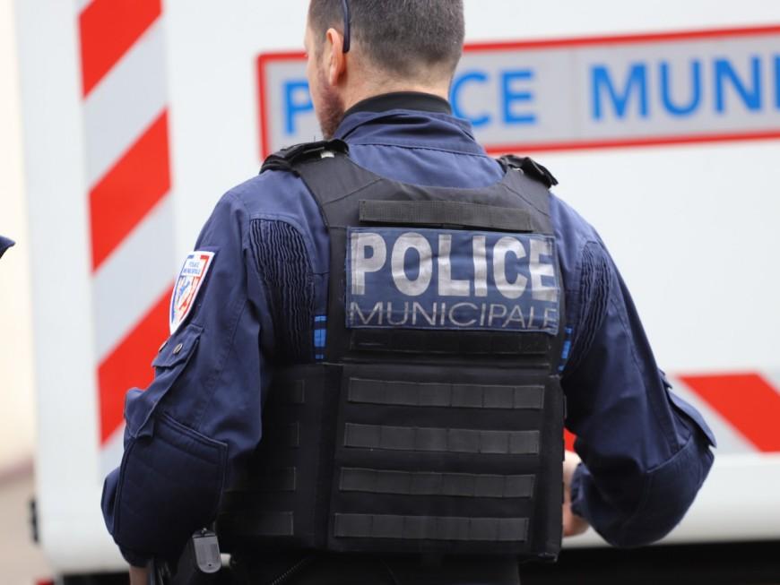 Lyon : des policiers municipaux désarmés par manque de formation