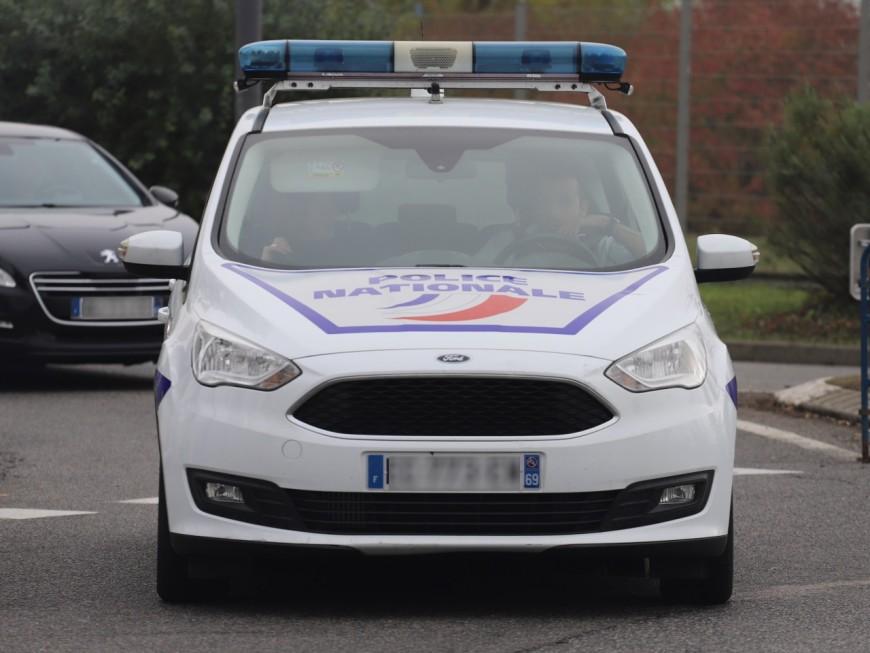 Lyon : il poignarde à trois reprises un automobiliste avant de le conduire aux urgences
