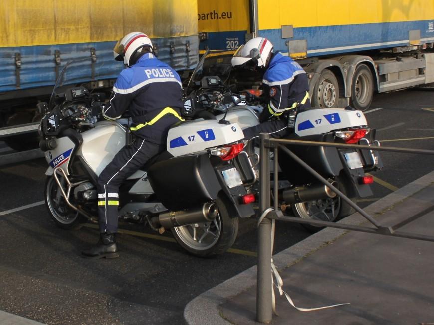 Lyon : après une course-poursuite, le SDF frappe le policier