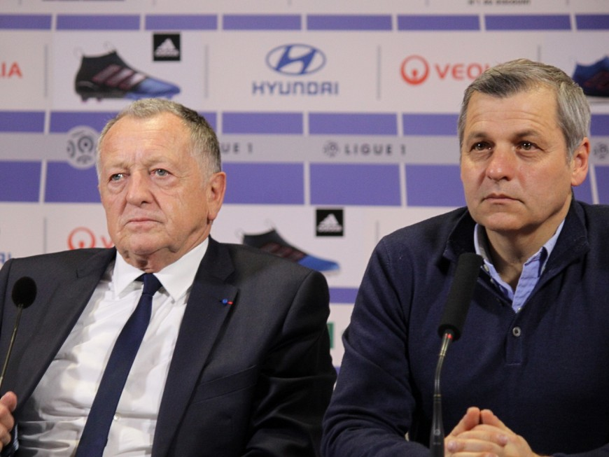 Bruno Genesio pris à partie à Lyon : l'OL réagit enfin
