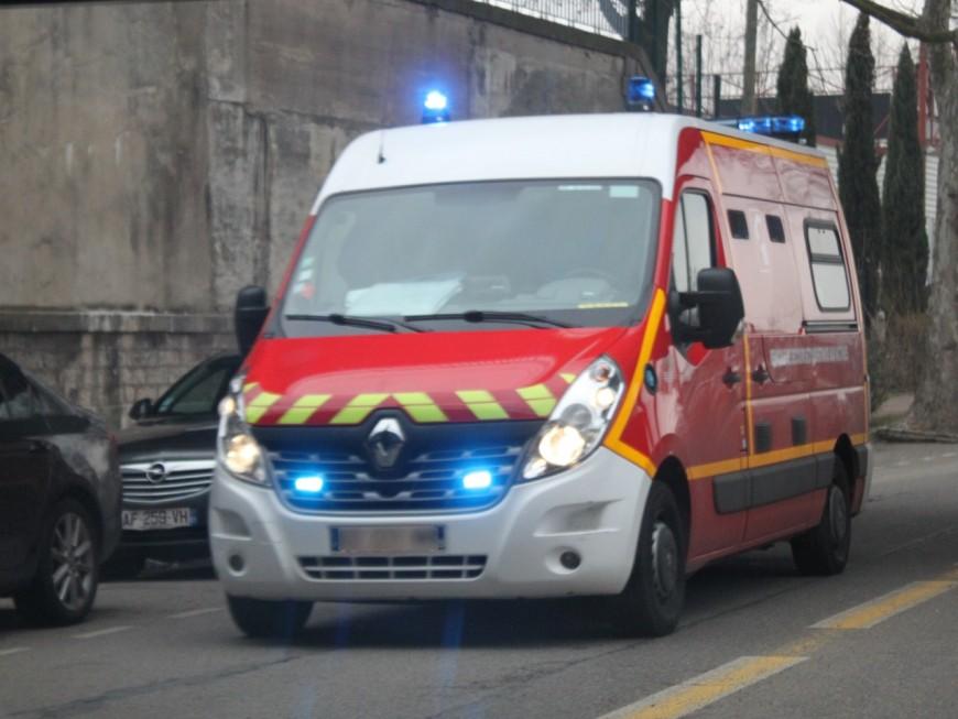 Chaponost: cinq blessés après une sortie de route