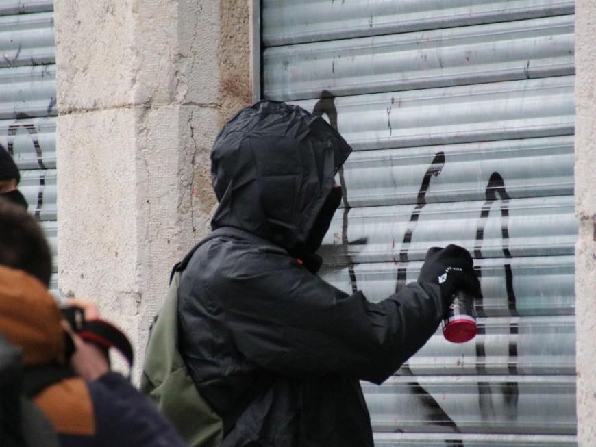 Chassieu : 12 000 euros nécessaires pour enlever les tags de la fresque réalisée par des enfants
