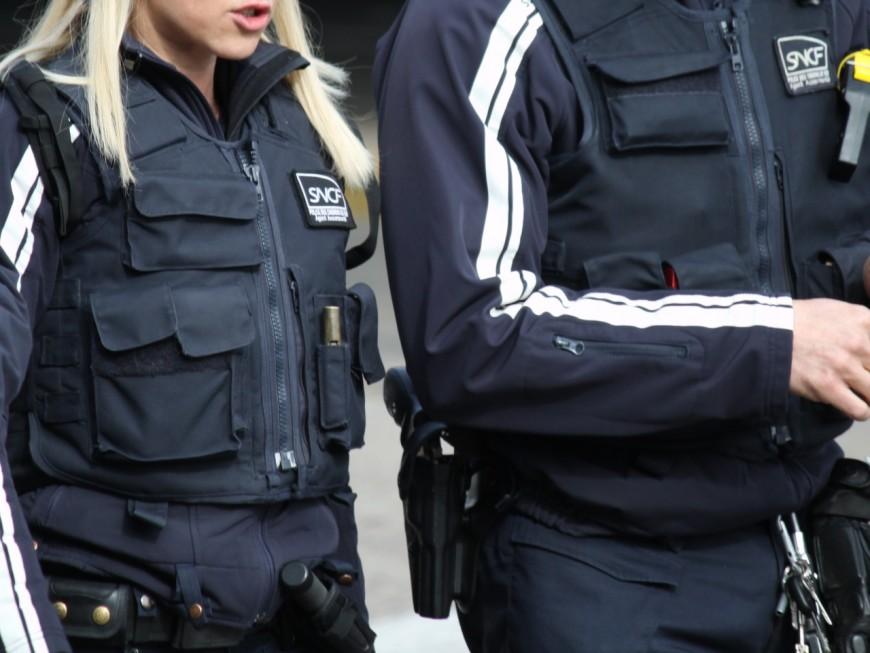 Lyon : des mineurs frappent et insultent des agents SNCF
