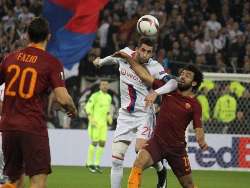 Ligue Europa : l'OL qualifié malgré la défaite à Rome (2-1)