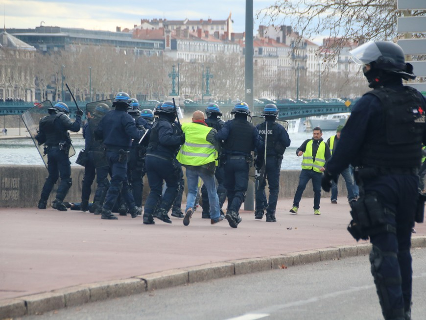 Lyon : des gilets jaunes jugés ce lundi après les affrontements du weekend