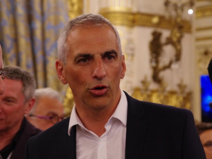 Le député Jean-Luc Fugit invite Alternatiba à remettre en état sa permanence dégradée