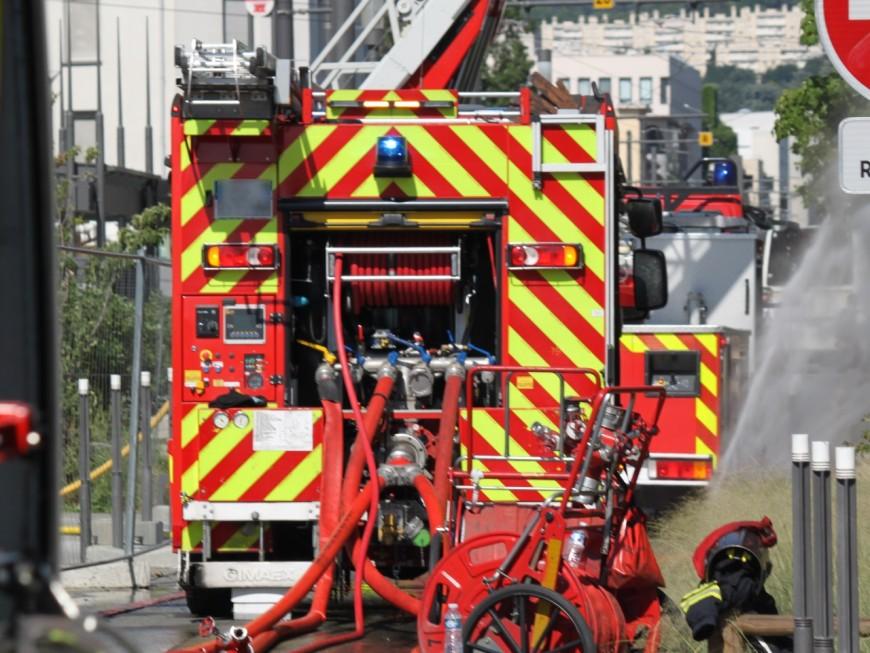 Un magasin victime d'un incendie près de Lyon