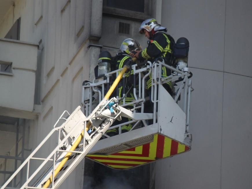 Deux enfants sauvés des flammes près de Lyon