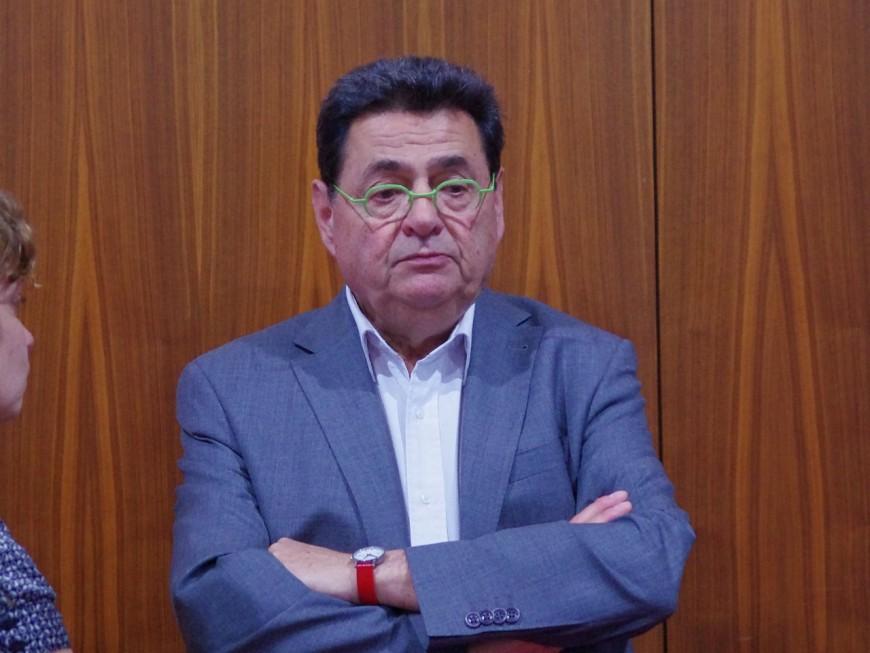 Le maire de Villeurbanne, Jean-Paul Bret, révèle être atteint d'un cancer